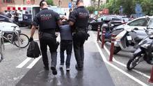 Los Mossos convierten su estrategia contra los carteristas en un despliegue de identificaciones a inmigrantes sin papeles