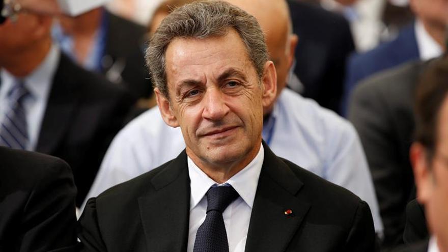 Sarkozy compara la preocupación por la elección de Trump a la de Hollande