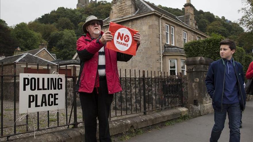 La participación en el referéndum escocés ronda el 85 %, se