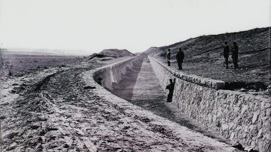 Obras de construcción del Canal del Henares / Jean Laurent
