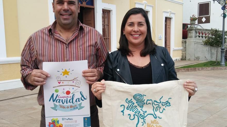 Presentación de las bolsas de tela para la campaña comercial.