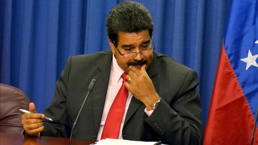 """Maduro dice que afortunadamente en Venezuela no gobierna un """"franquista"""" como Rajoy"""