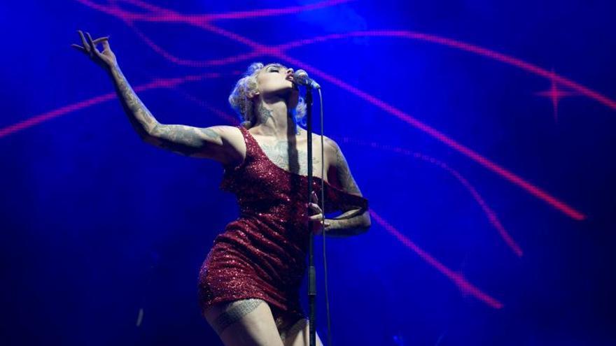 Vinila Von Bismark, del cabaret a la discoteca de la mano de Les Castizos