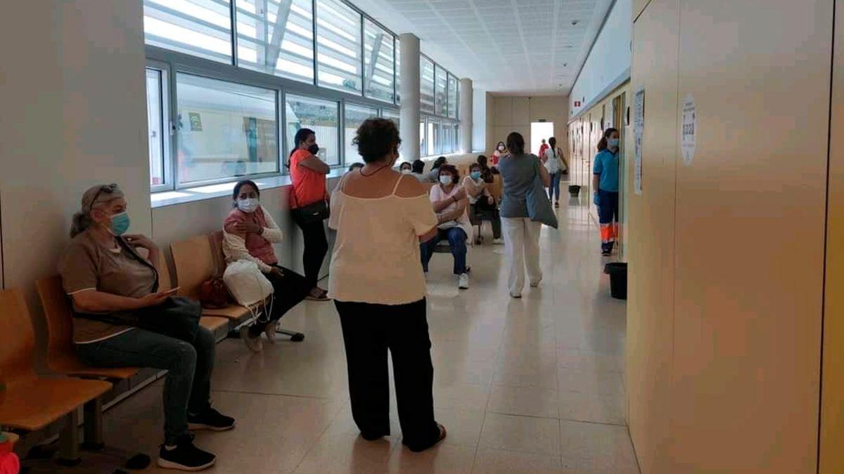 Vacunación en el Carlos Castilla del Pino