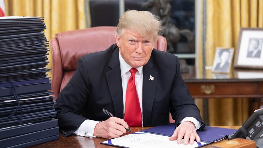 El presidente Trump, en su escritorio del Despacho Oval