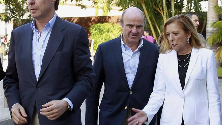 De Guindos admite vulnerabilidad por el endeudamiento de la economía española