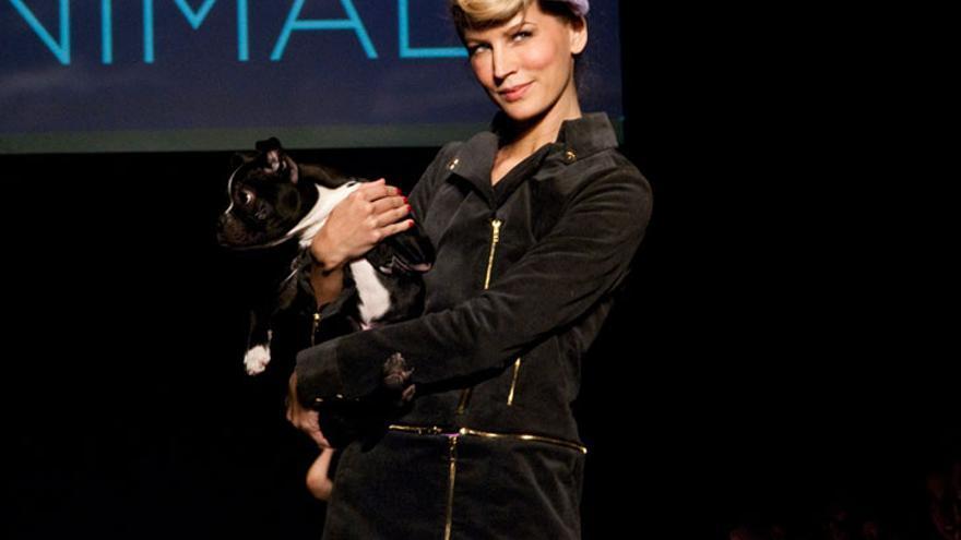 "Desfile ""Fashion Loves Animals"" de la marca vegana Vaute Couture. Foto: ©ecouterre"