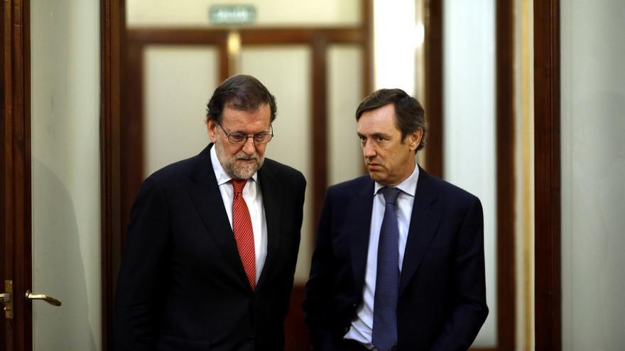 """El PP espera que el PSOE """"no se deje arrastrar"""" por Podemos en materia de corrupción, aunque lo ve """"complicado"""""""