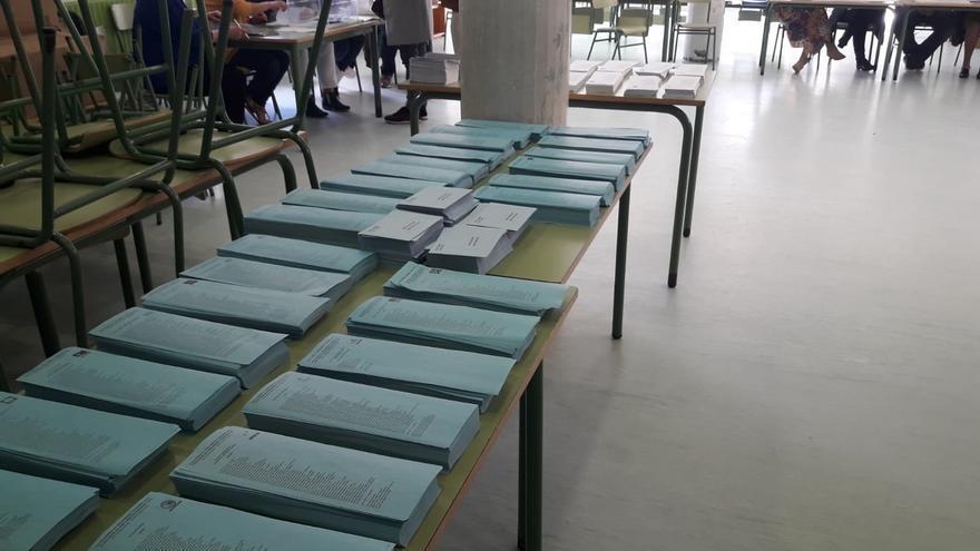 Papeletes elecciones europeas. Domingo 26 de mayo de 2019 en el Colegio CEIP Cruceiro de Canido de Ferrol (A Coruña).