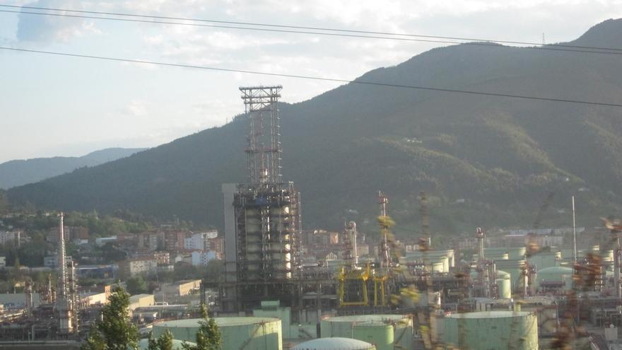 Petronor para la unidad de FCC por un problema en el equipo de compresión de aire