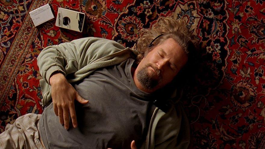 El Nota escucha sonidos relajantes en 'El gran Lebowski'