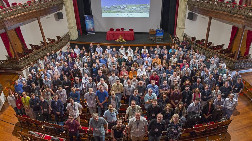 Asistentes al CTA Consortium meeting en el Teatro Circo de Marte de Santa Cruz de La Palma. Crédito: Elena Mora (IAC).