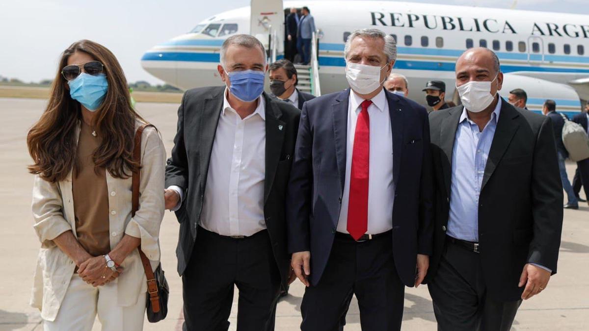 El Presidente llegó al mediodía a Tucumán