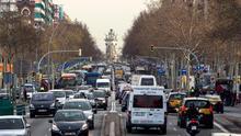 Prohibir la venta de coches diésel y gasolina en 2040 no es revolucionario, sino tendencia internacional