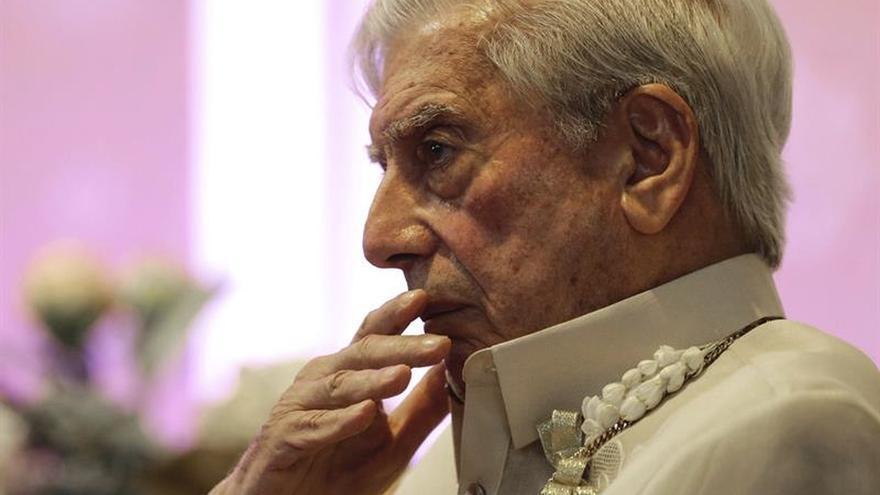 Vargas Llosa, investido doctor honoris causa por la Universidad de Friburgo