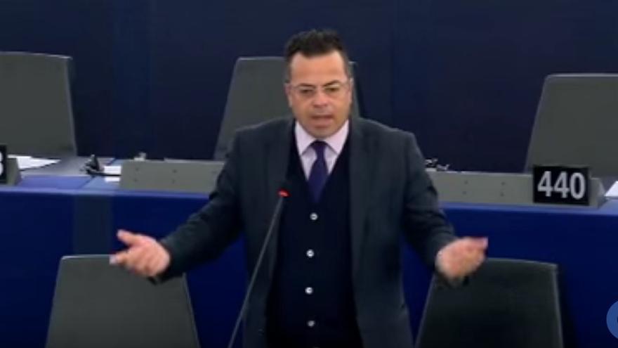 Intervención de Gianluca Buonanno en el pleno sobre terrorismo del Parlamento Europeo. 12 de abril de 2016.