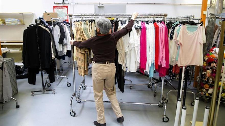 Inditex y Caritas instalarán hasta 2.000 contenedores en la calle para ropa