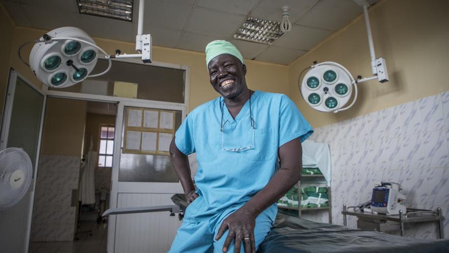 El Dr. Evan Atar Adaha ha sido elegido como ganador del Premio Nansen para los Refugiados de ACNUR por su labor en Sudán del Sur.