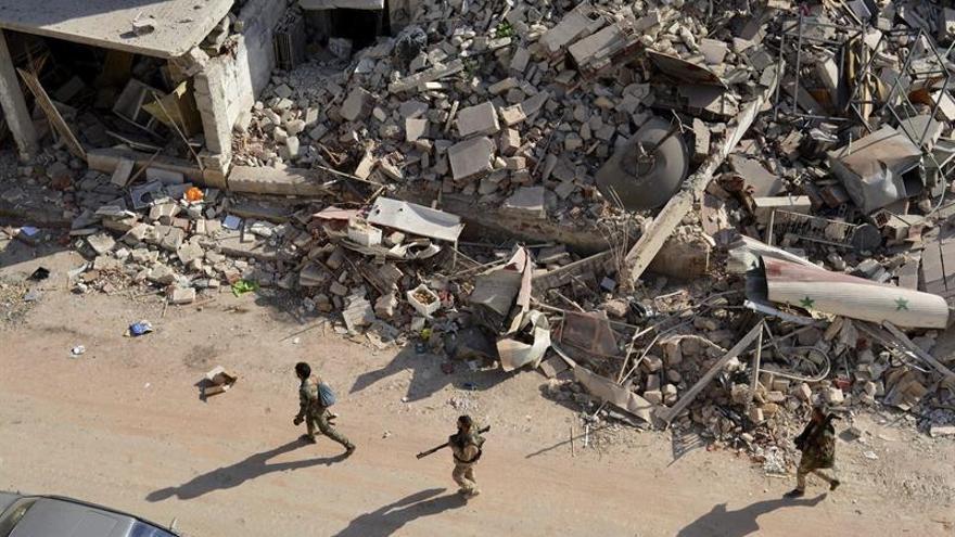 Milicias sirias respaldadas por EEUU irrumpen en una ciudad controlada por el EI