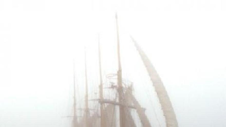 El gran velero Creoula de bandera portuguesa