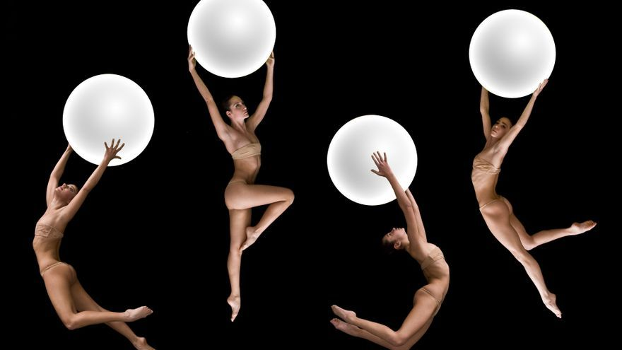 Imagen de la puesta en escena de los bailarines de Nogravity Dance