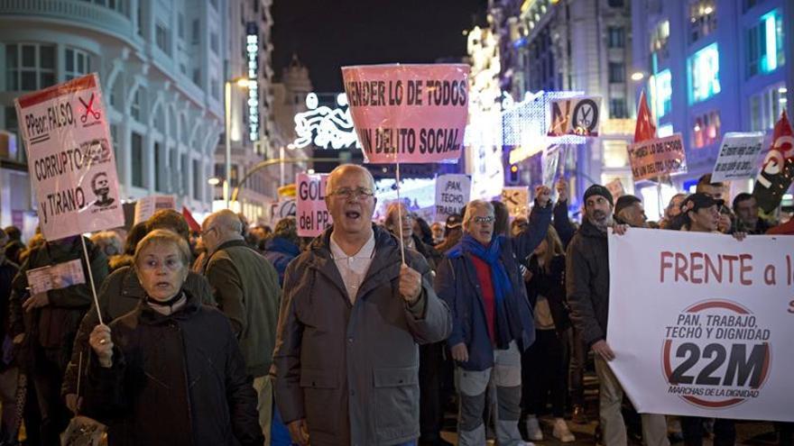 """Miles de personas llenan la Gran Vía para pedir """"dignidad"""" en el trabajo"""