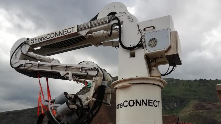 En la imagen, 'enchufe' de la instalación para suministrar energía eléctrica a los barcos de pasajeros y demás buques que atrancan el Puerto de Santa Cruz de La Palma.