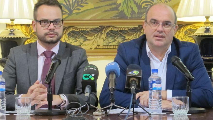En la imagen, Jordi Pérez (i) y Anselmo Pestana este jueves.