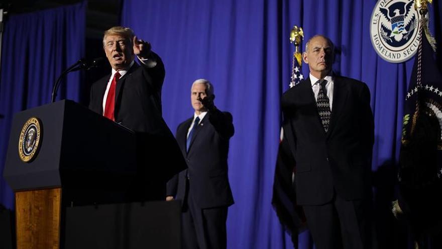 """Trump cree que la tortura en interrogatorios """"funciona"""""""