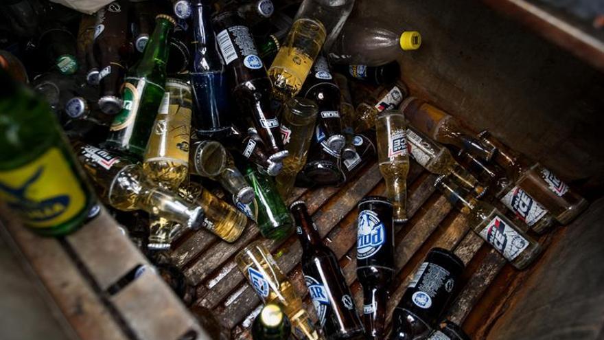 La cerveza también se escabulle de las manos de los venezolanos