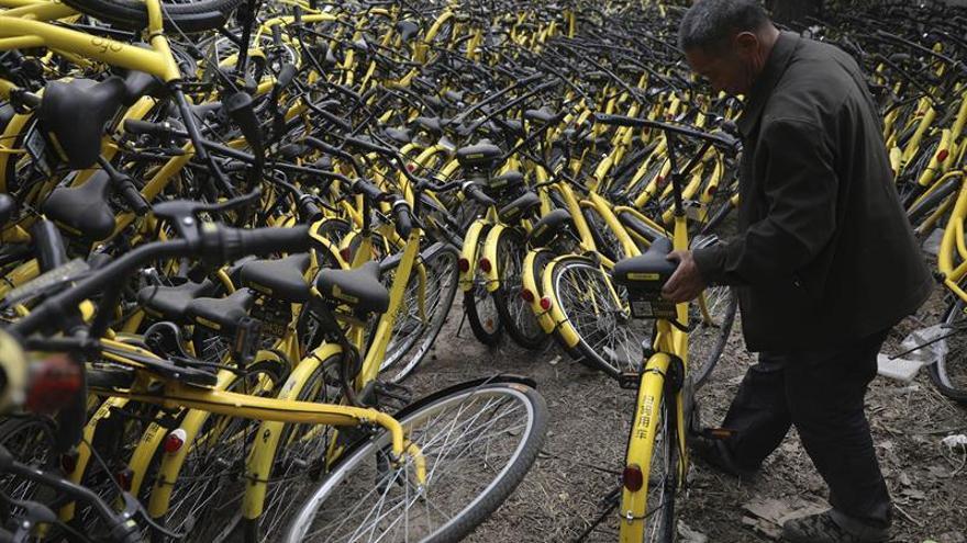 El Gobierno chino regulará las bicicletas compartidas tras el enorme crecimiento