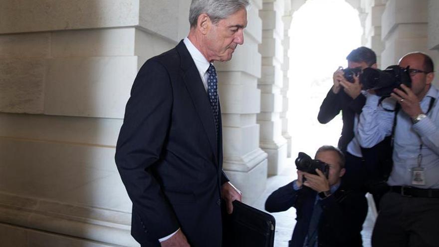 Mueller obtuvo ilegalmente decenas de miles de correos, según el equipo de Trump