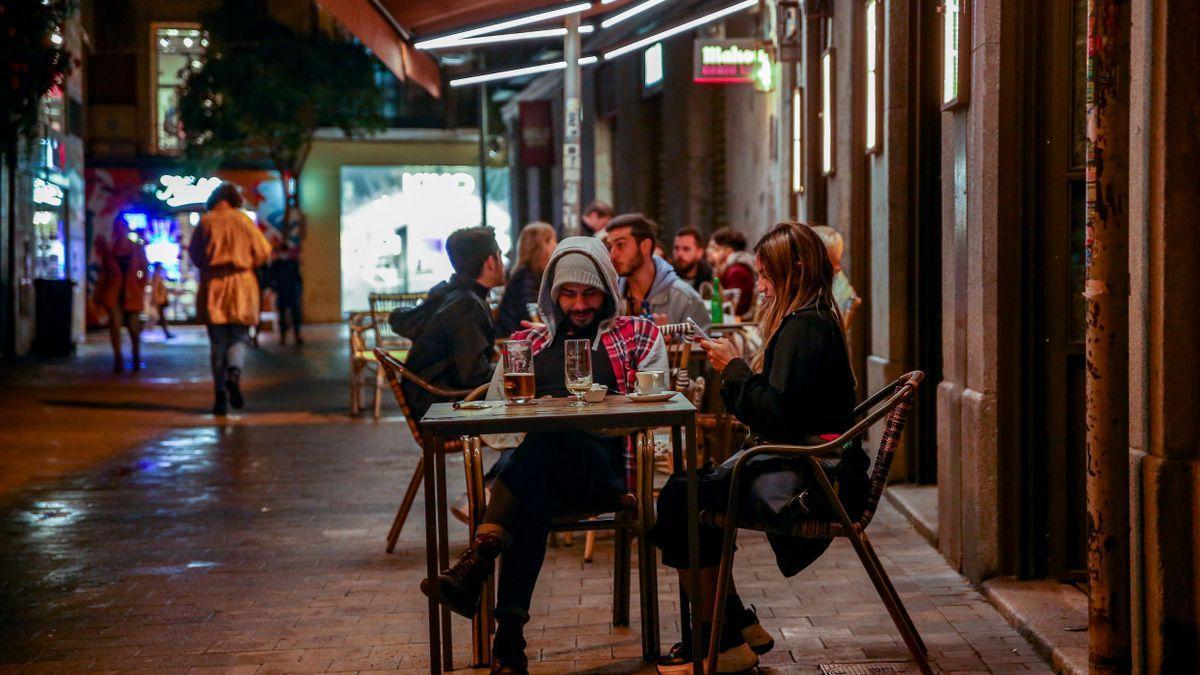 Ambiente en una terraza de un establecimiento de Chueca en octubre. Ricardo Rubio / Europa Press