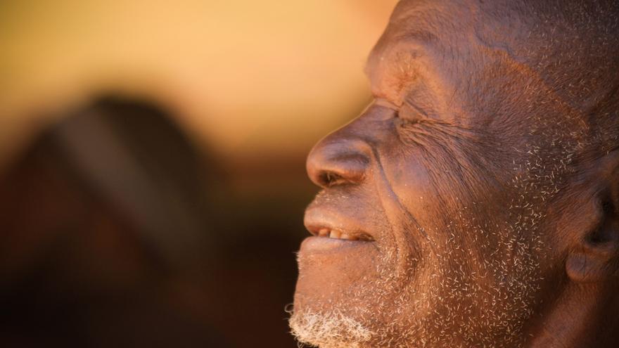 'Embrujo Africano. Arrugas, sonrisas grabadas'