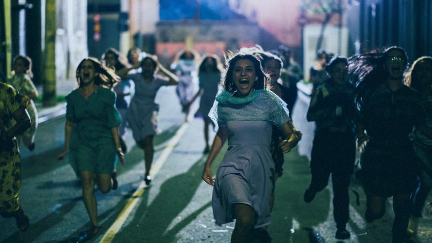 """La película """"Medusa"""" grita en Cannes contra las convenciones en Brasil"""