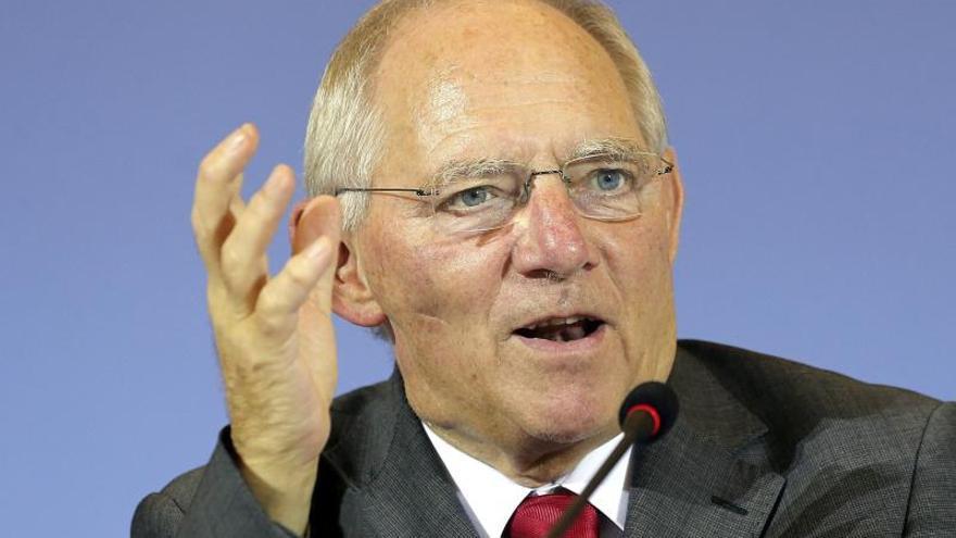 Schäuble garantiza más ayudas para Grecia si cumple todos sus compromisos