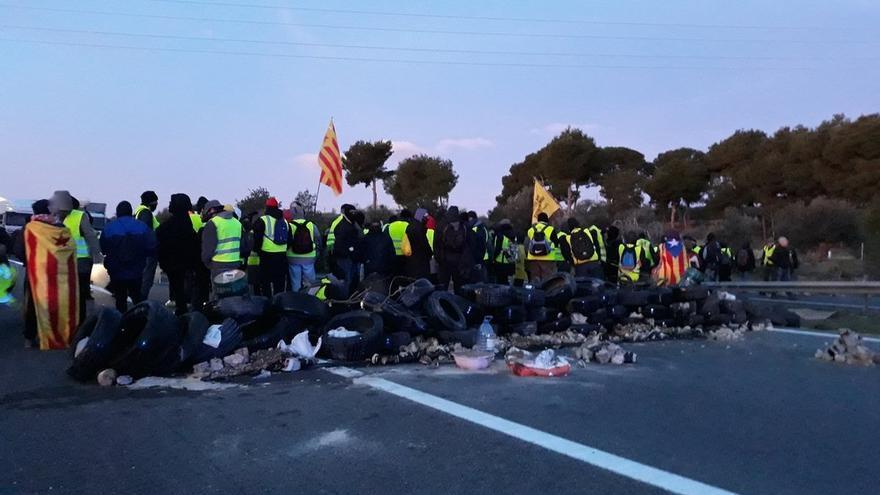 """Casado ruega a Sánchez que aplique un nuevo 155 porque Cataluña está """"batasunizada"""" y es """"un campo de batalla"""""""