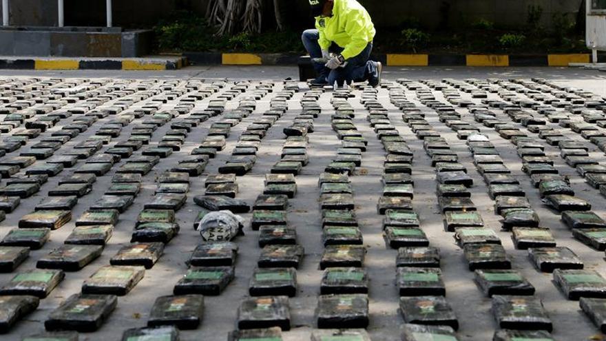 La Armada colombiana se incauta de 324 kilos de coca sumergidos en el Caribe