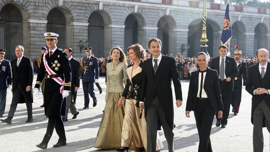 Carme Chacón, con José Luis Rodríguez Zapatero, Sofía, Letizia y Felipe, en la Pascua Militar, el 6 de enero de 2009.