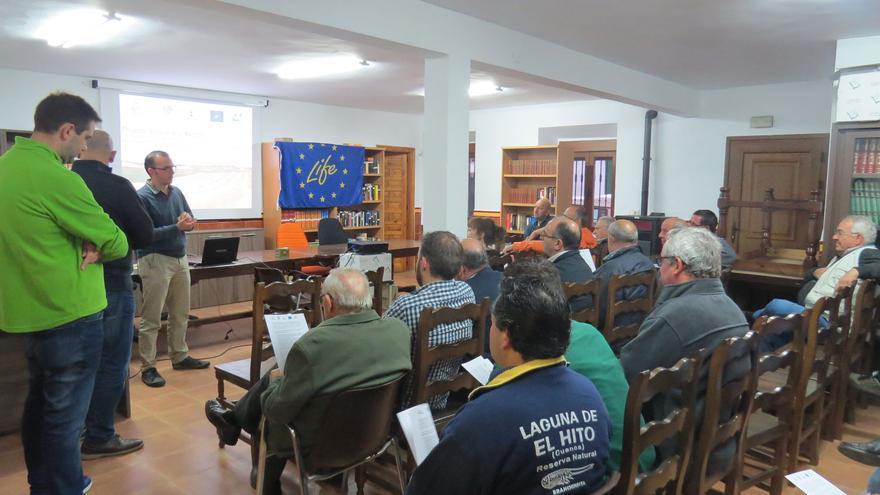 Reunión con agricultores del entorno de la Laguna de El Hito, en Cuenca