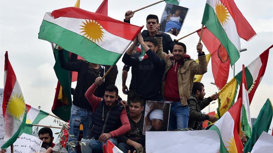 Centenares de personas se manifiestan en Beirut por la ofensiva turca en Afrín