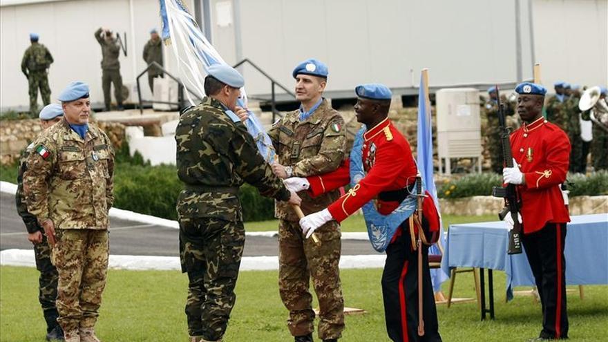 El general Asarta, exjefe de Finul, dice que el trabajo de las tropas españolas es impecable