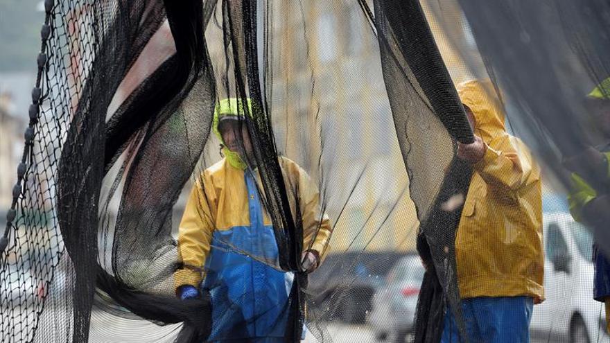 Los países firmantes del tratado contra la pesca ilegal piden a otros hacer lo mismo