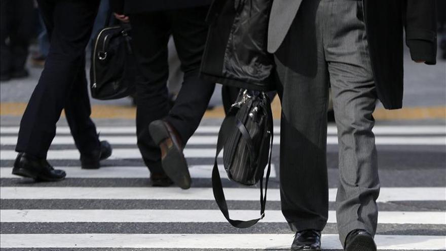 El Nikkei cae 127,30 puntos, un 0,78 por ciento, hasta los 16.164,01 puntos