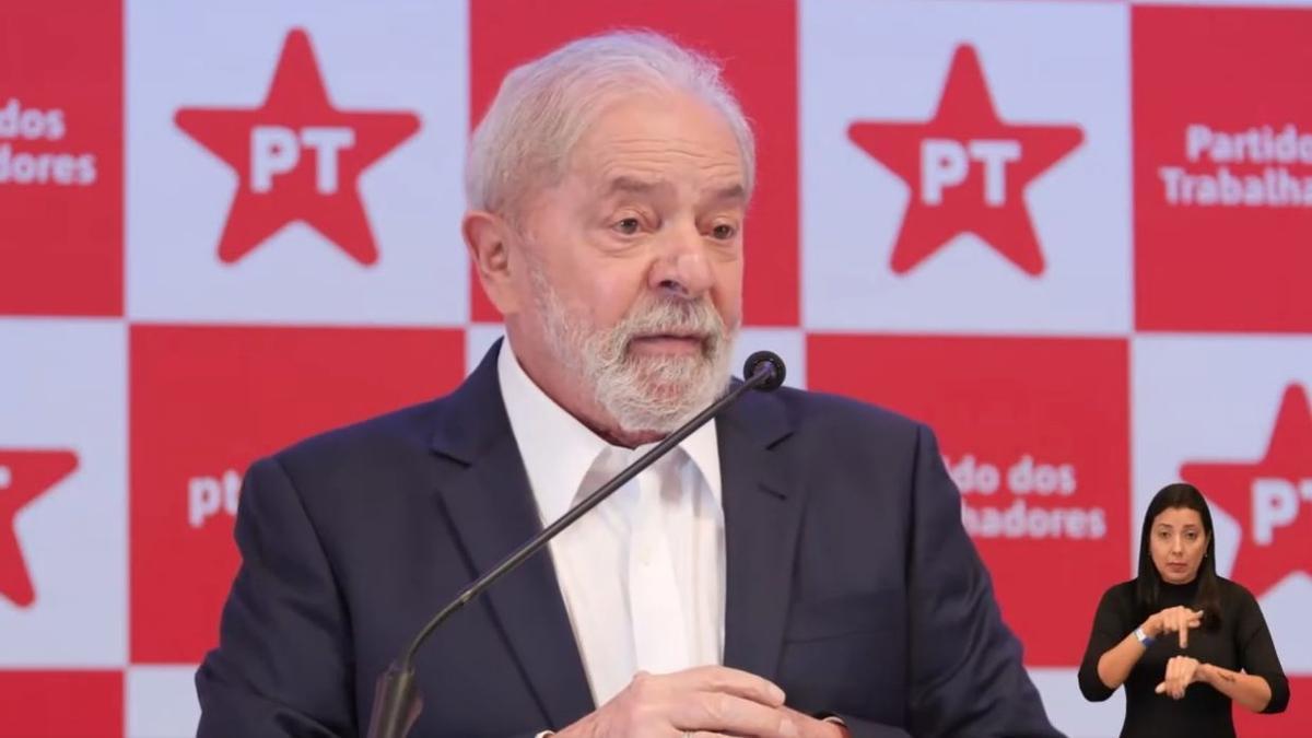 Lula en conferencia de prensa este viernes