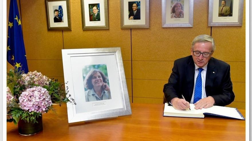 Juncker homenajea a la excomisaria europea Loyola de Palacio en el décimo aniversario de su muerte
