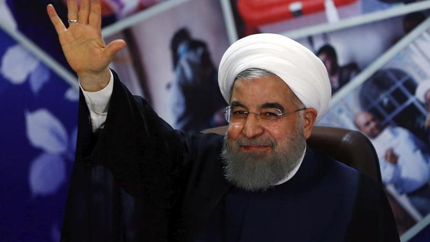 """Rohaní denuncia que las sanciones de EEUU son """"incompatibles"""" con el acuerdo nuclear"""