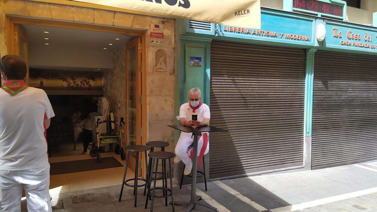 Imagen de un local de hostelería de la calle Estafeta el 6 de julio del 2020