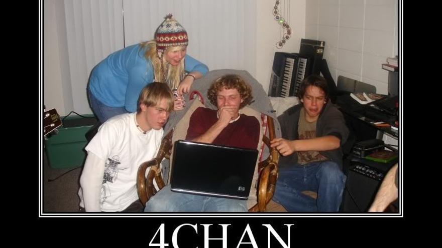 La primera regla de 4Chan es...