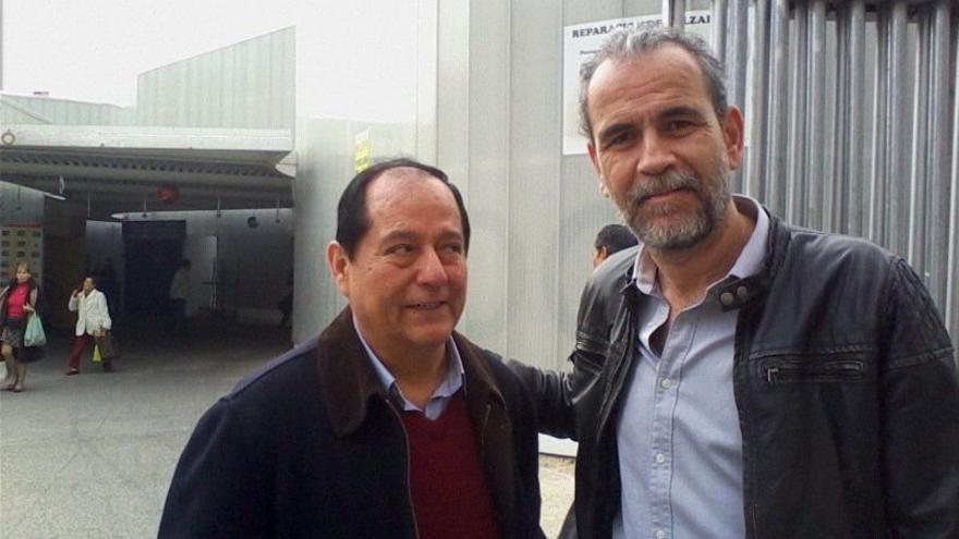 Primera semana de recogida de la Despensa Solidaria de RSP Centro-Arganzuela, Con el actor Willy Toledo a la derecha (diciembre 2013).